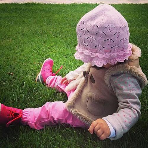 Виктория Боня размещает в Сети фото дочери, на которых скрывает лицо малышки