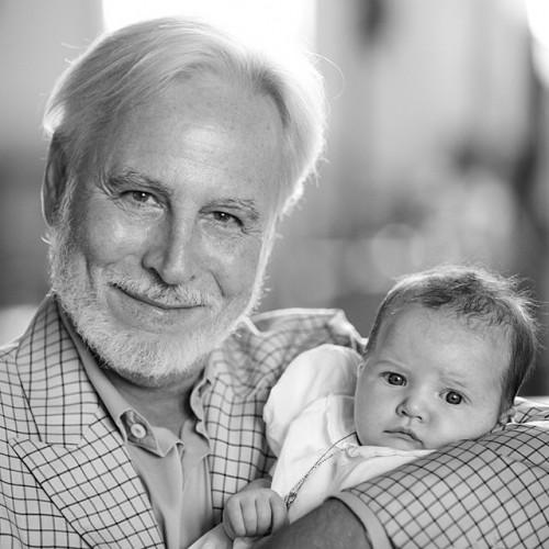 Крис Бреннер с дочерью Миллы Йовович Дашиэль