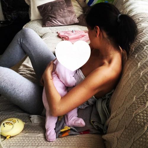Елена Темникова поделилась трогательным фото со своей дочкой