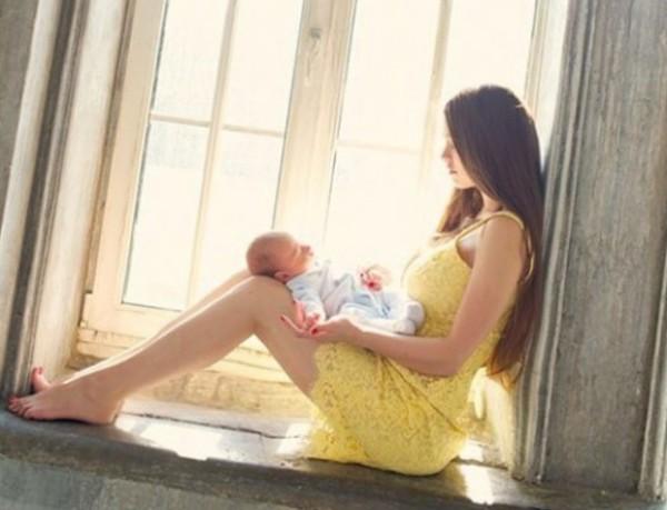 Ирина Журавская с ребенком