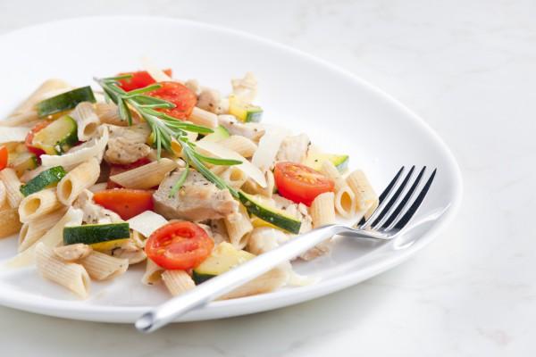 Рецепт                  Паста с овощами и тунцом