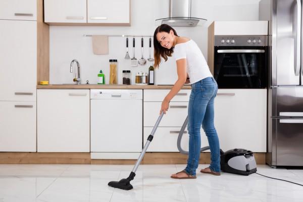 Как похудеть, занимаясь уборкой