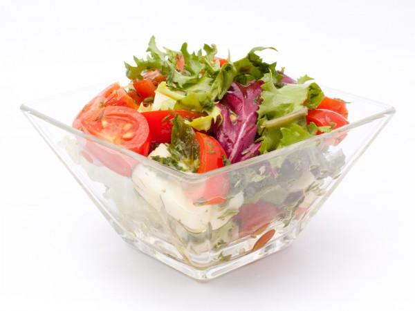 Рецепт                  Зеленый салат с помидорами и моцареллой
