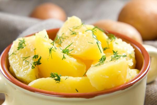 Картофельный салат с зеленью