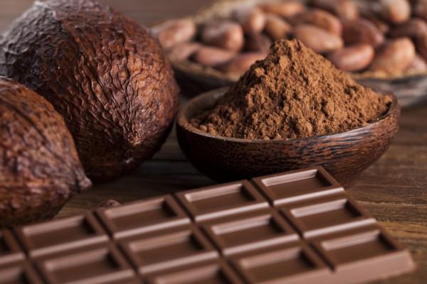 Шоколад нужно будет разломать на кусоки