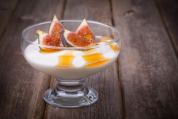 Рецепт                  Йогурт с инжиром и медом