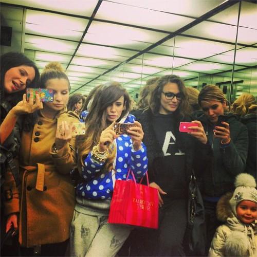 Айза Долматова: Вы когда-то видели столько дур в одном лифте?