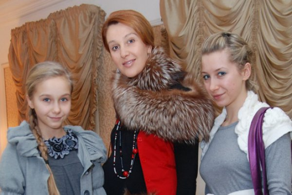 С дочерьми Александрой и Анастасией
