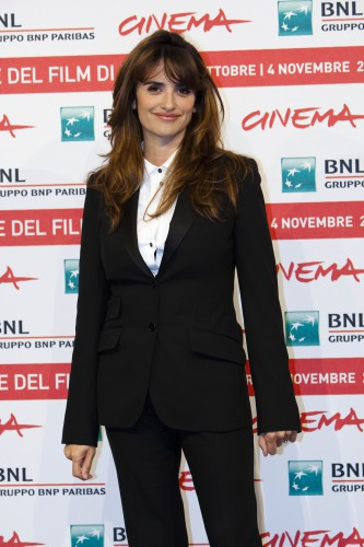 38-летняя актриса Пенелопа Крус отлично выглядит