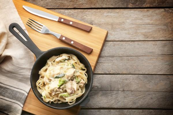 Запеканка из брокколи и спегетти