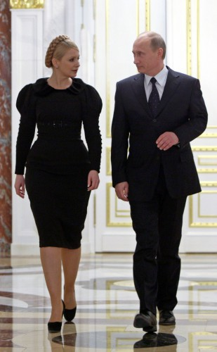 Политика на шпильках: Юлия Тимошенко и президент Российской Федерации Владимир Путин, 2009 год