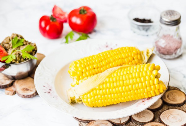 Кукуруза хорошо насыщает