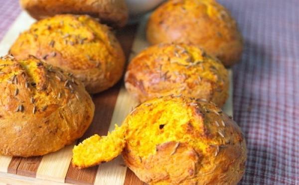 Рецепт                  Тыквенные булочки с маскарпоне и зеленью