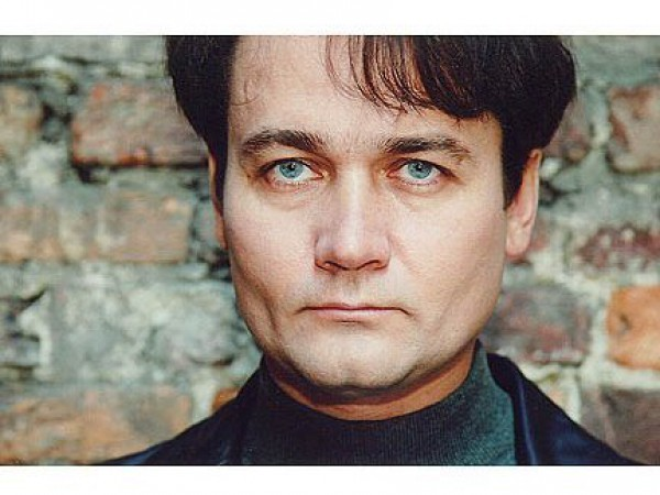 Известного российского актера избили.
