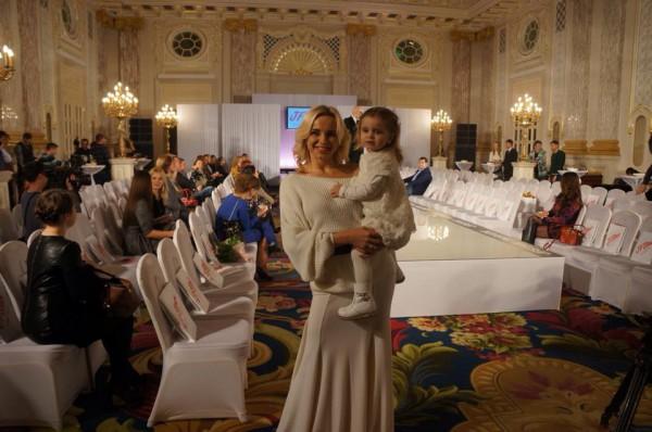 Дочь Лилии Ребрик прошлась по подиуму в качестве модели