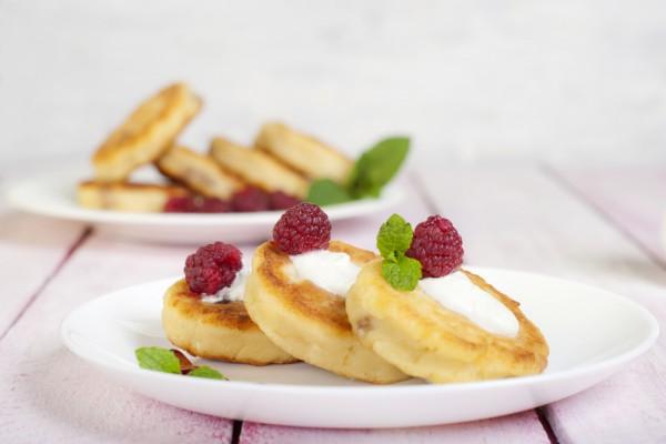 Сырники с изюмом на завтрак