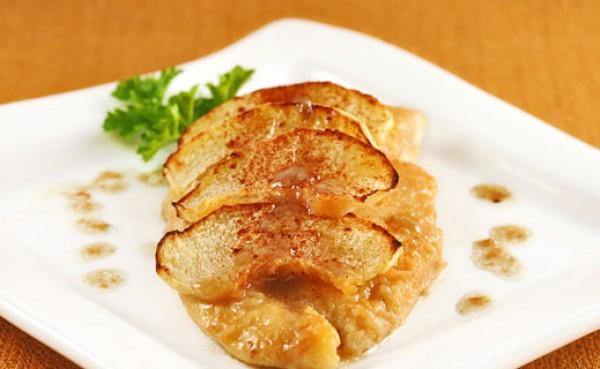 Куриное филе с яблочным гарниром