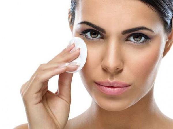 Ошибки в снятии макияжа