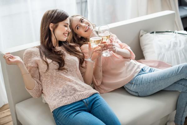 Совместные планы с подругой помогут ей отойти от тяжести разрыва
