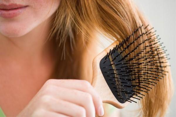 Как остановить выпадение волос: Действенные способы