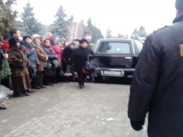 Опубликовано фото похорон Риммы Марковой Денис Зинченко, sobesednik.ru