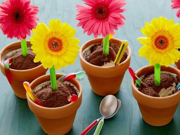 Десерт в виде цветочного горшка