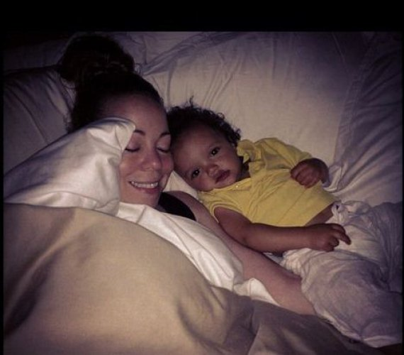 Мэрайя Кэри выложила в блог новые фото детей