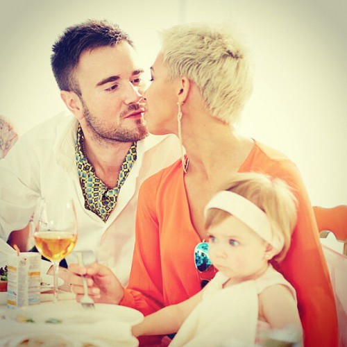 Юлия Плаксина с мужем и дочерью