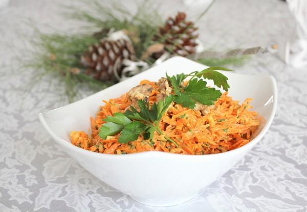 Рецепт                  Салат из моркови, орехов и чеснока