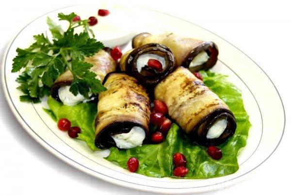 фаршированные баклажаны с сыром рулетики рецепт с фото