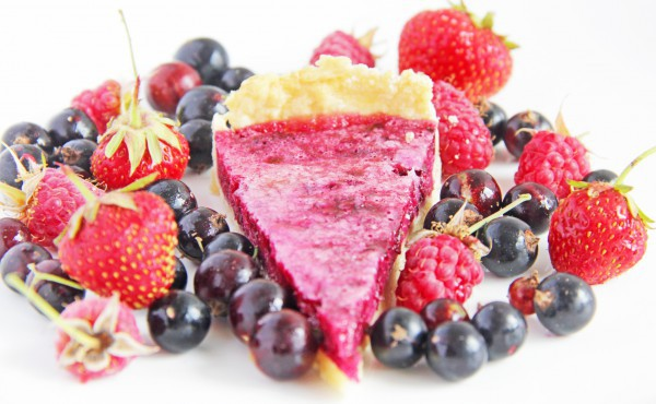 Выпечка с замороженными ягодами: тарт со смородиновой начинкой