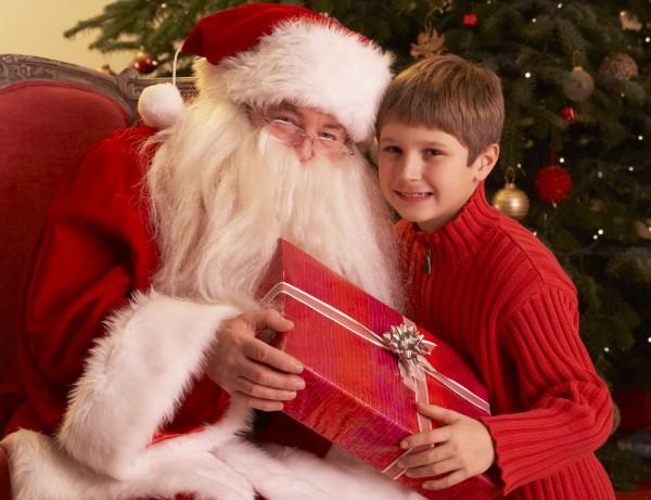 Многие дети мечтают о встрече с Дедушкой Морозом