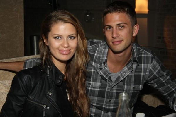 Викторяи Боня и Алекс Смерфит до сих пор не поженились