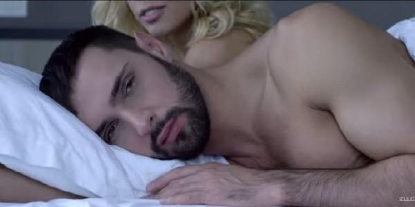 Виталий Козловский сыграл любовь с блондинкой в своем новом клипе