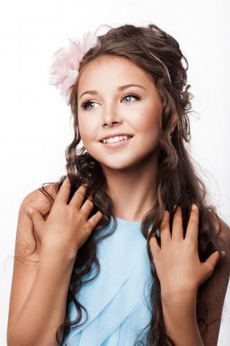 За эту красивую девочку будет болеть Украина на детском песенном конкурсе Евровидение-2013