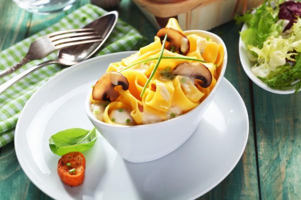 Рецепт                  Домашняя паста с  грибами