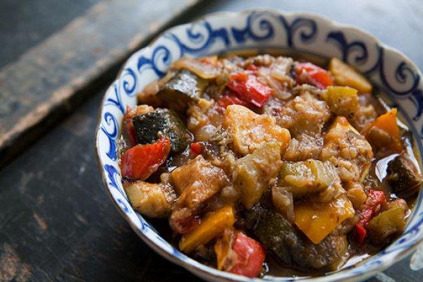 вкусное рагу из баклажан с овощами