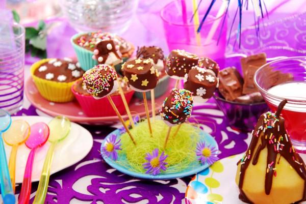 Пирожные на палочки на Новый год 2014