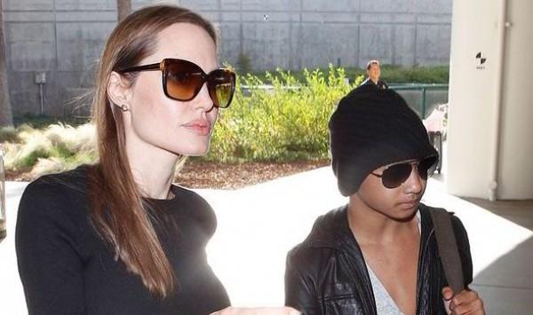 Джоли с сыном Мэдоксом