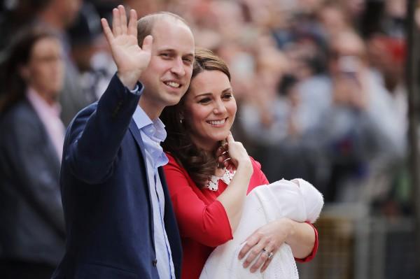 Принц Уильям с семьей фото