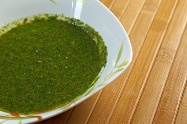 Рецепт зеленой аджики с маслом грецкого ореха