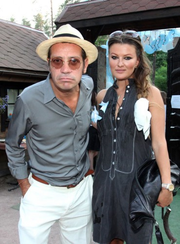 Илья Чичкан с женой