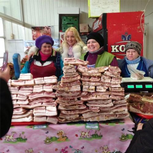 Анастасия Волочкова посетила продуктовый рынок