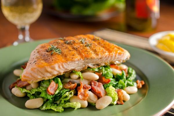 Запеченное филе лосося в духовке
