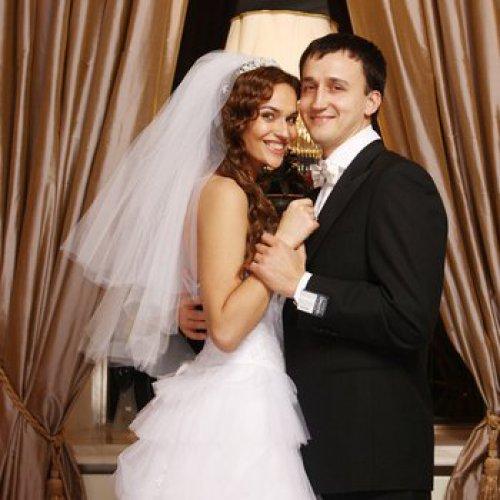 Алена Водонаева и ее законный супруг Алексей