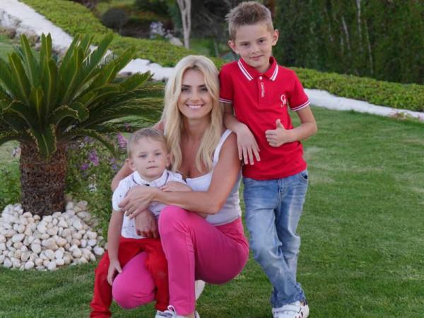 Ірина Федишин з дітьми фото