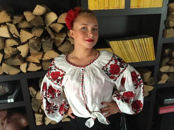 Хайден в украинской вышиванке