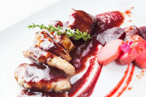 Рецепт                  Утиное филе с вишневым соусом
