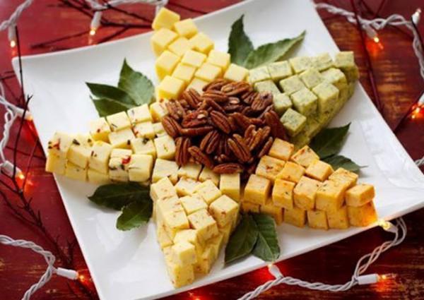 Рецепт                  Новогодняя сырная тарелка