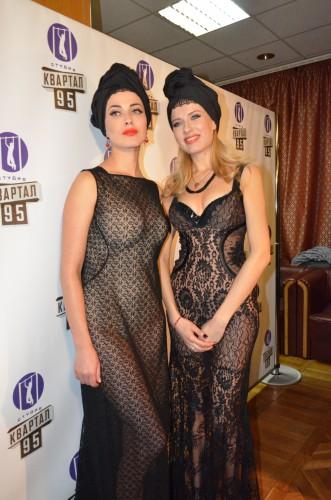 Впросвечивающих платьях фото 210-489